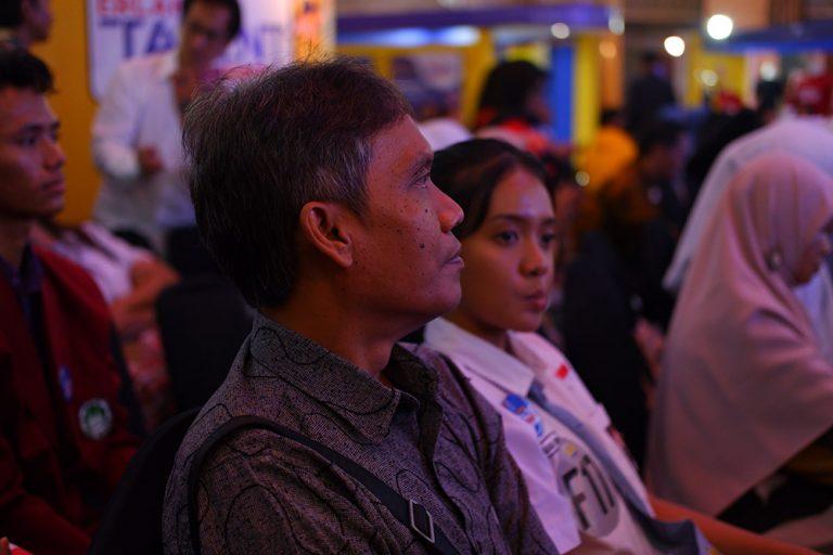 Guru pendamping peserta Erlangga English Speech Contest berharap lomba ini diadakan terus setiap tahunnya